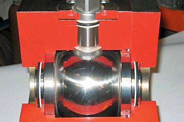 Ball valve with iglidur X plain bearings